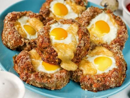 Гнезда от кайма с тиквички и яйца на фурна - снимка на рецептата